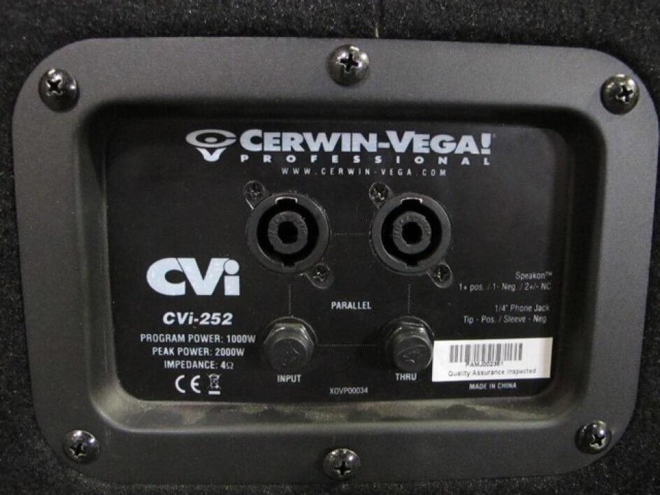 Cerwin Vega CVI-252 Sistema de rango completo en 2 vías y 2 x 15